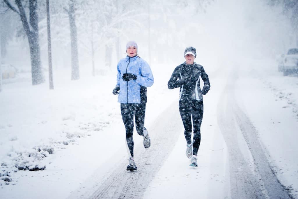 Как правильно дышать зимой во время бега?