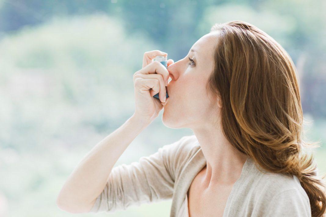 Кого больше — мужчин или женщин среди астматиков?