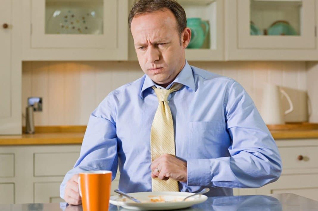 Какие заболевания могут стать причиной кашля после еды?