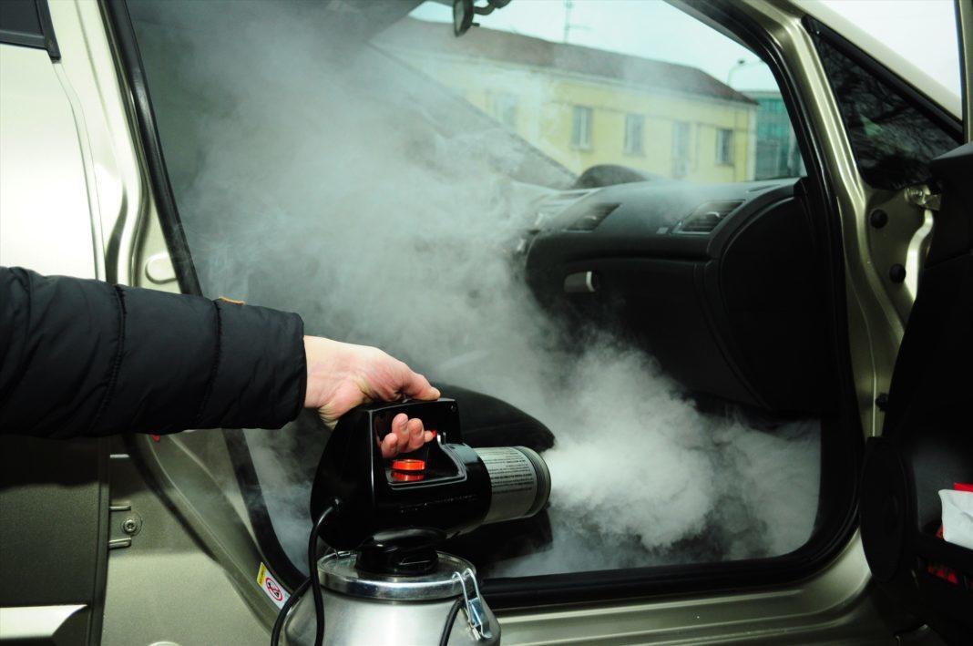 Случайно разлили бензин, как убрать запах?