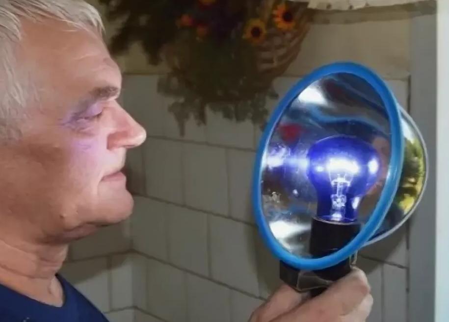 Применение синей лампы Минина