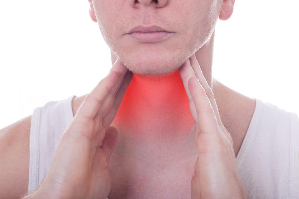 Проявление побочных эффектов после компресса на горле