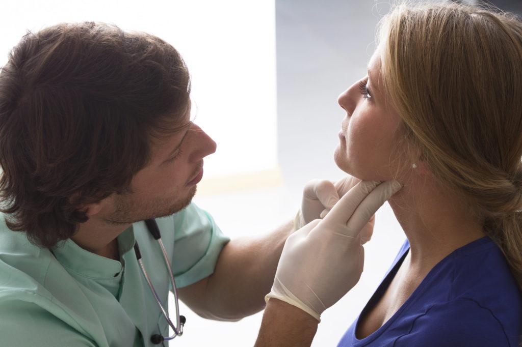 Усиление болезненности горла