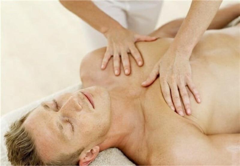 Грудной массаж назначают при пневмонии, но я его делаю семье для профилактики