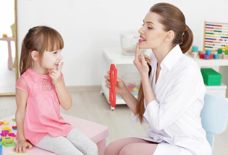 5 дыхательных упражнений, которые помогают и взрослым, и детям справиться с заиканием