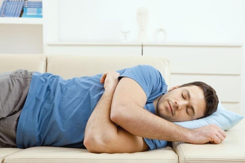 Какие позы для сна опасны для легких и бронхов