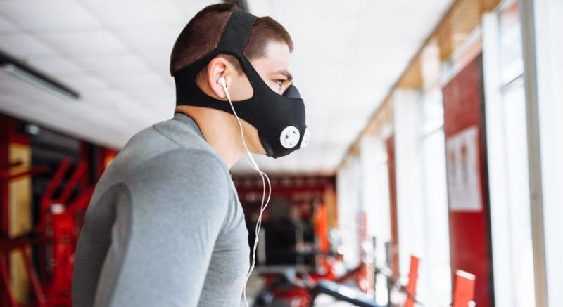 Маски стали умными: 4 интересных гаджета для защиты от инфекции, пыли, дыма