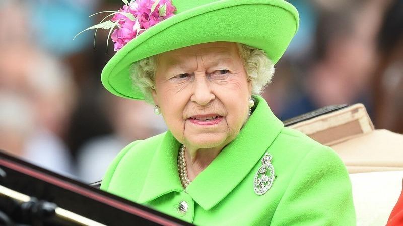 Какие духи выбирают для себя настоящие королевы, герцогини и принцессы