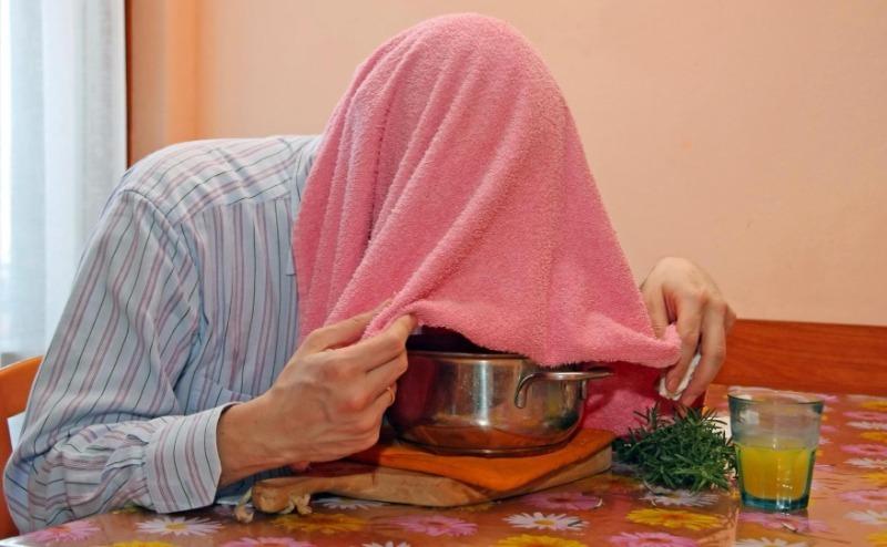 5 последствий домашнего лечения: почему врачи не советуют дышать над горячей картошкой