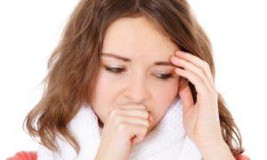 кашель и температура у девушки