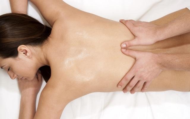 Болит спина при кашле кашель отдает в спину
