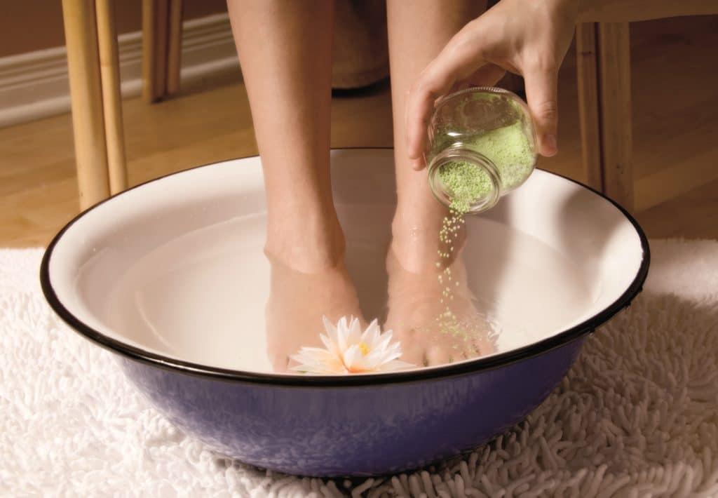 Ванна для ног с сухой горчицей