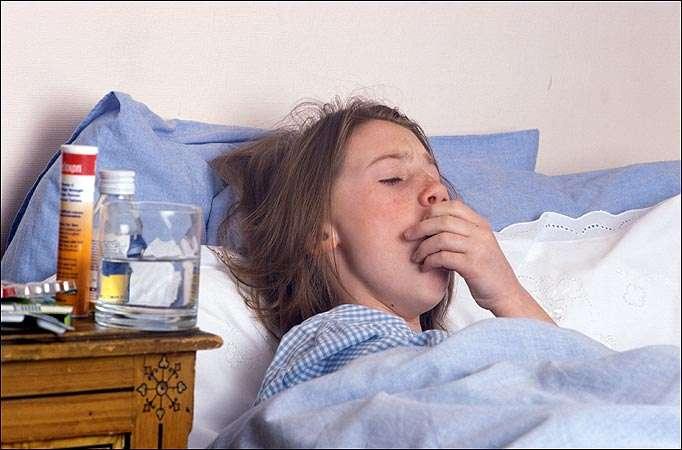 На второй стадии пневмонии у больного наблюдается высокая температура