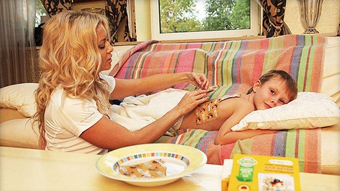 При постановке горчичников у детей следует использовать дополнительный защитный слой
